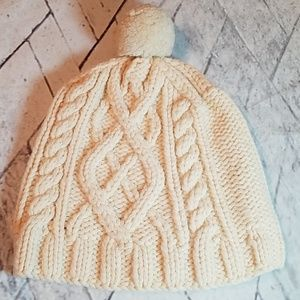 GAP Cable Knit Lambswool beanie size S/M